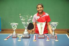 diya-with-trophies